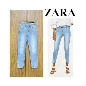 NEW Zara Mid Rise Cropped Skinny Jeans Raw Hem
